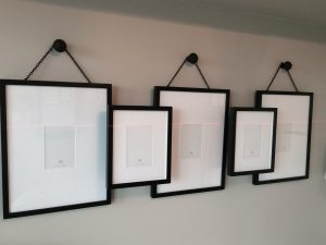 Why Custom Picture Hanging Services Are The Right Choice For Your Décor